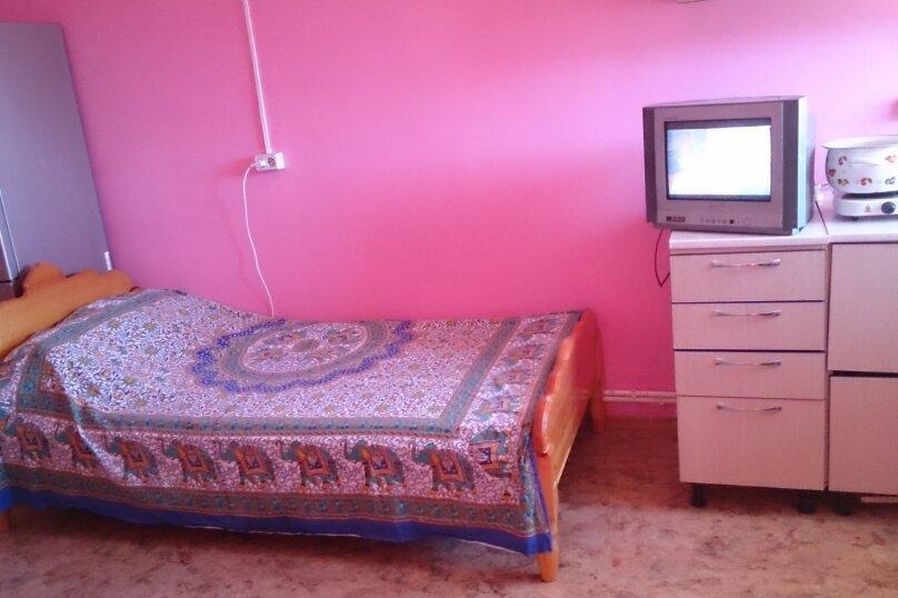 """Гостевой дом """"Розовая студия"""", Лазурная улица, 15 на 1 комнату - Фотография 4"""