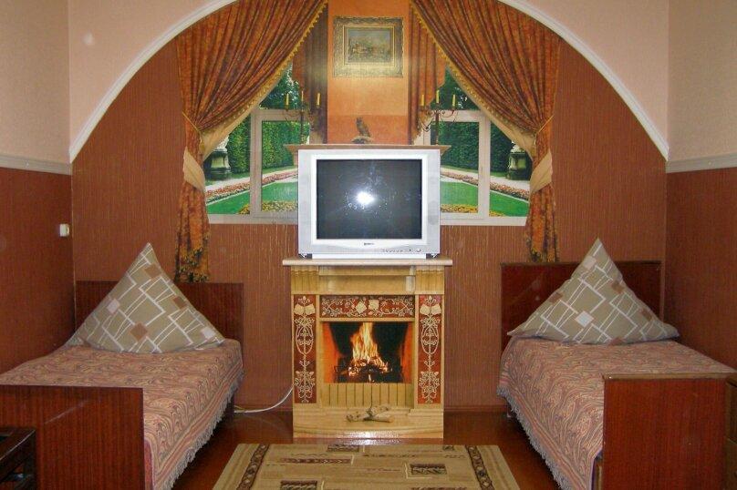 """Гостевой дом """"На Халтурина 50"""", улица Халтурина, 50 на 1 комнату - Фотография 1"""