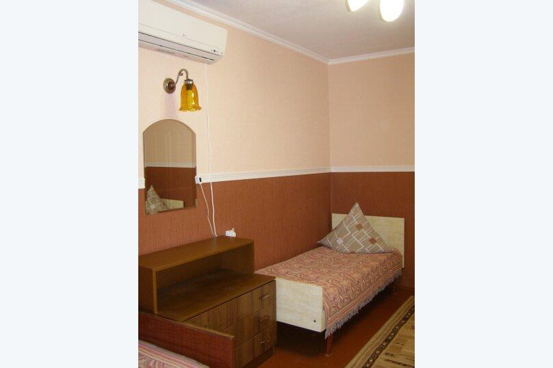 """Гостевой дом """"На Халтурина 50"""", улица Халтурина, 50 на 1 комнату - Фотография 2"""