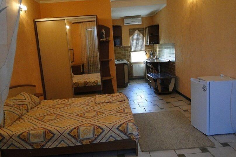 Дом, 40 кв.м. на 3 человека, 1 спальня, Таврическая улица, 40, Алушта - Фотография 2