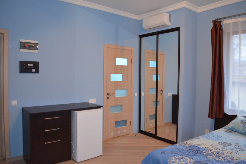 """Гостиница """"На Саранчева 2"""", улица Саранчева, 2 на 8 комнат - Фотография 1"""