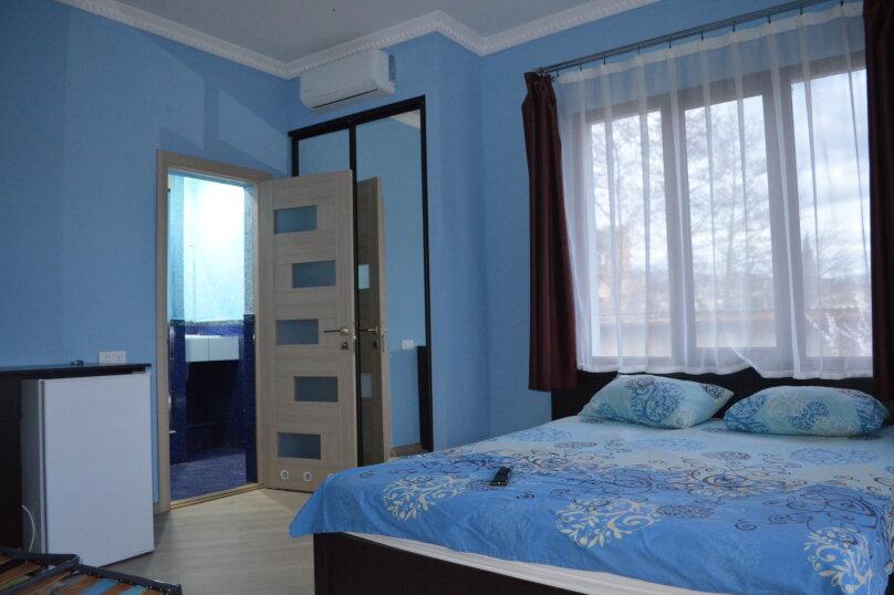 Голубой, улица Саранчева, 2, Алушта - Фотография 4