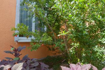 Дом, 70 кв.м. на 4 человека, 1 спальня, улица Мастеров, Судак - Фотография 2