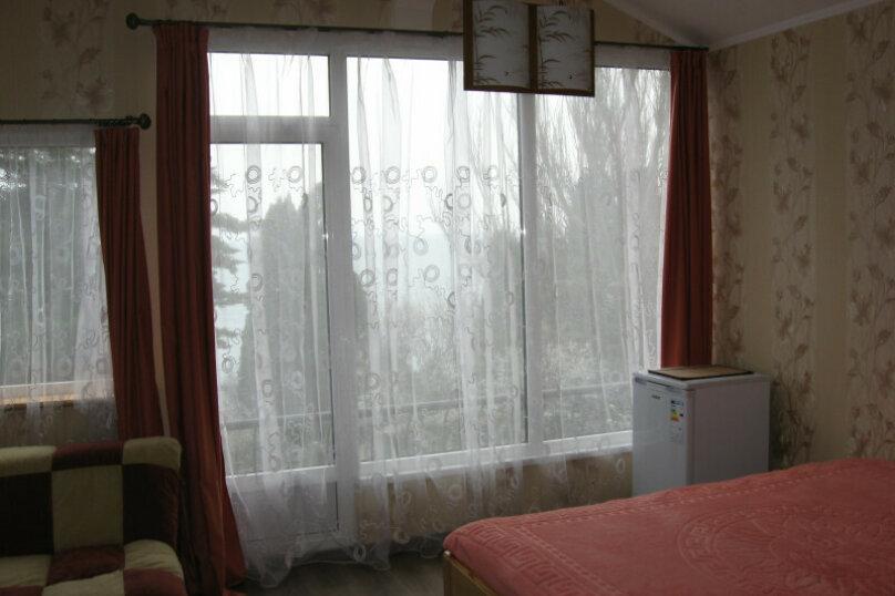 """Гостевой дом """"Прибрежный домик"""", 1 мая , 5 на 2 комнаты - Фотография 3"""