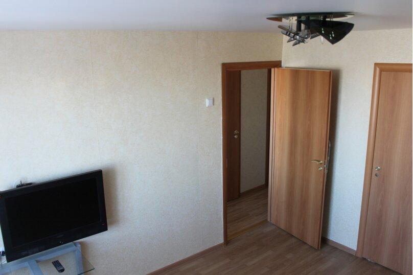 3-комн. квартира, 64 кв.м. на 7 человек, Октябрьский проспект, 18, Петрозаводск - Фотография 8