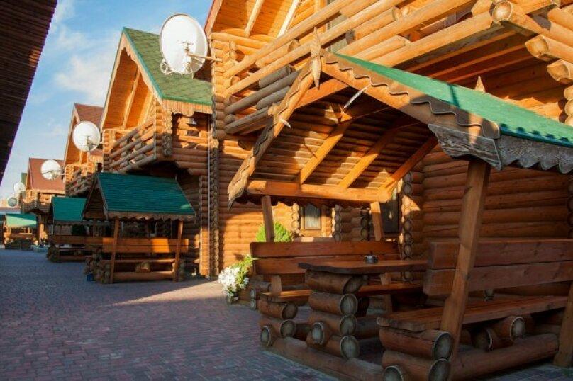 Двухэтажный деревянный сруб, 80 кв.м. на 6 человек, 3 спальни, улица Евпаторийская, 27, село Прибрежное (Евпатория) - Фотография 2