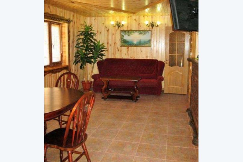 Двухэтажный деревянный сруб, 80 кв.м. на 6 человек, 3 спальни, улица Евпаторийская, 27, село Прибрежное (Евпатория) - Фотография 4