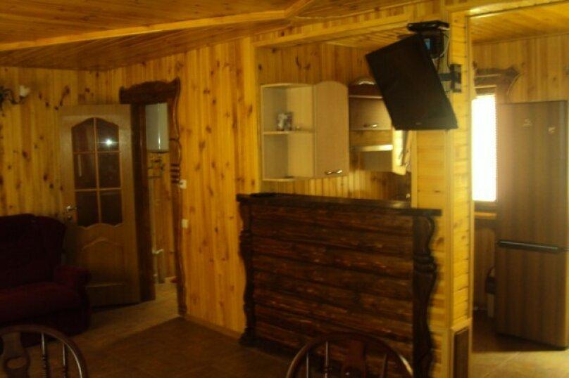 Двухэтажный деревянный сруб, 80 кв.м. на 6 человек, 3 спальни, улица Евпаторийская, 27, село Прибрежное (Евпатория) - Фотография 5