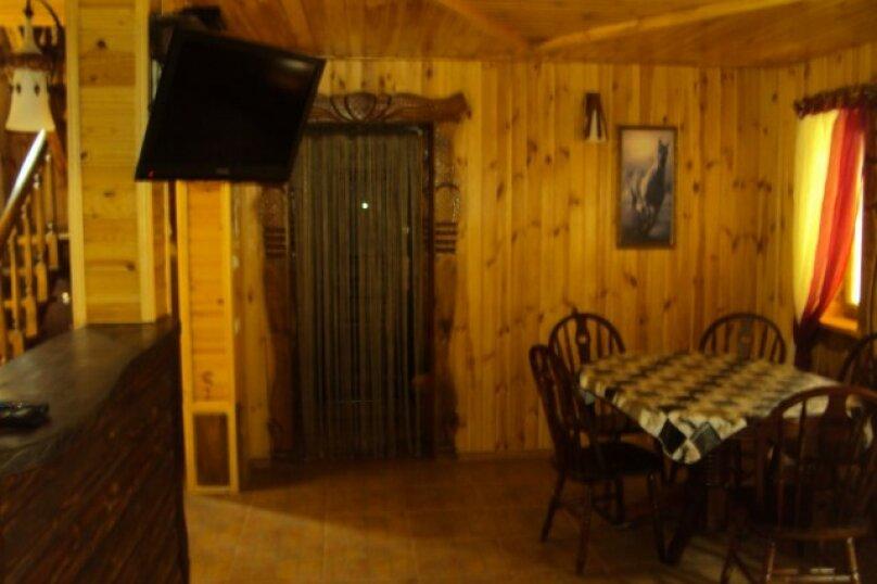 Двухэтажный деревянный сруб, 80 кв.м. на 6 человек, 3 спальни, улица Евпаторийская, 27, село Прибрежное (Евпатория) - Фотография 6