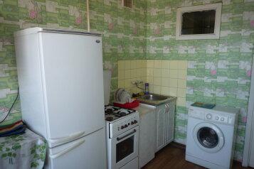 1-комн. квартира, 32 кв.м. на 3 человека, улица Лейтейзена, 1, Советский район, Тула - Фотография 2