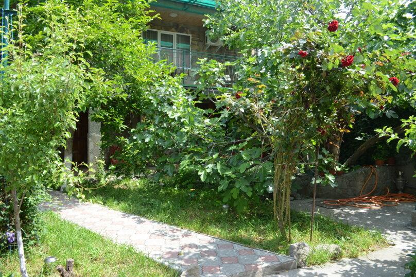 """Гостевой дом """"Уютный дворик"""", Береговая, 4 на 4 комнаты - Фотография 2"""