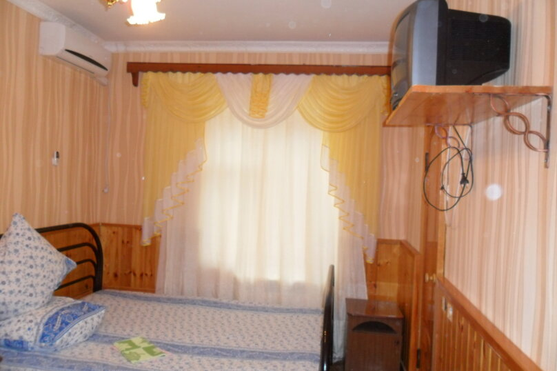 комната  на 2 человека со сплит-системой, Трудящихся, 13, Анапа - Фотография 1