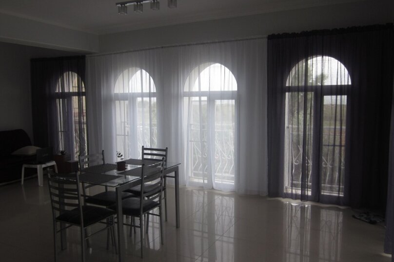 3-комн. квартира, 100 кв.м. на 5 человек, Морская, 12Б, Мирный, Крым - Фотография 2