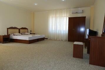 Отель, квартал Хале , 3 на 19 номеров - Фотография 1