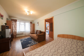 1-комн. квартира, 34 кв.м. на 4 человека, Копылова, 72, Красноярск - Фотография 2