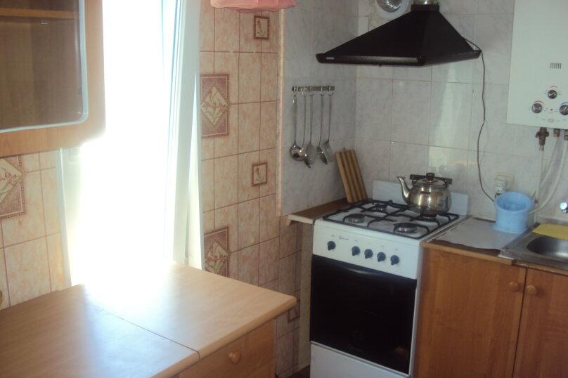 2-х комнатный номер, улица Маяковского, 45А, Феодосия - Фотография 2