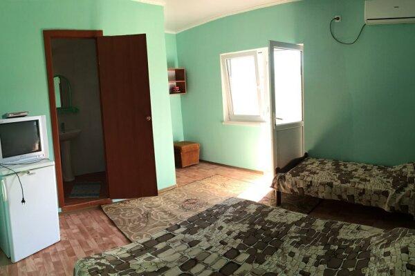 Комфортные,семейные номера на 3-4 человека со всеми удобствами  в поселке Морское в 18км. от Судака, Озен Бою 2-й проезд, 2 на 3 номера - Фотография 1