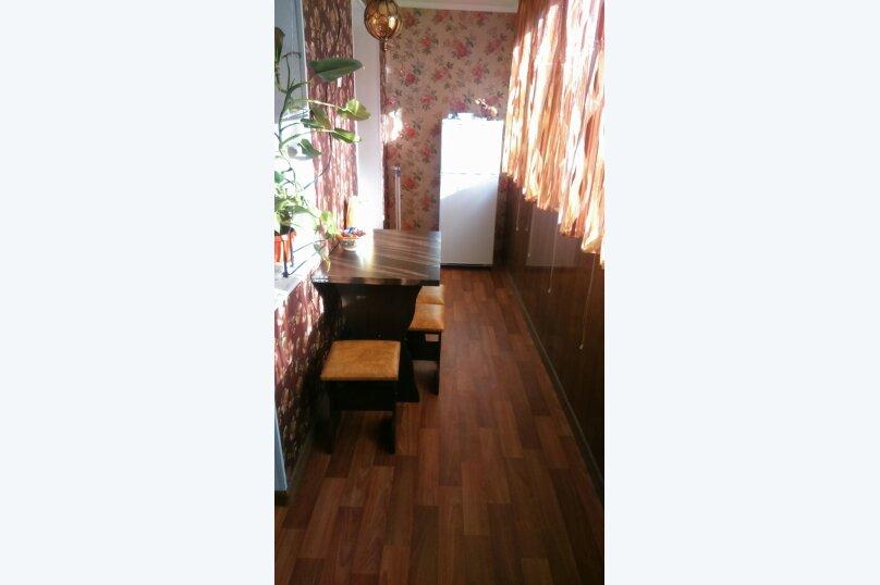 3-комн. квартира, 68 кв.м. на 7 человек, улица Сурикова, 16, Алупка - Фотография 1