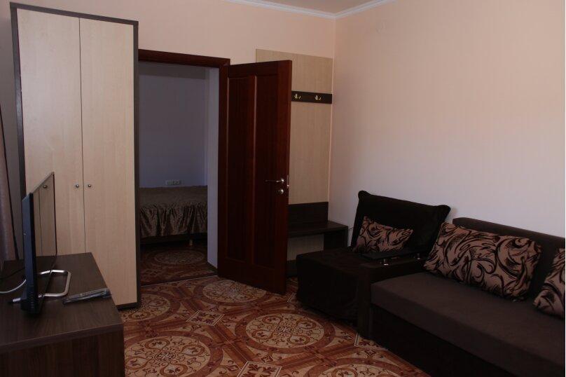 Двухкомнатный люкс, улица Череповецкая, 57, Якорная щель - Фотография 1