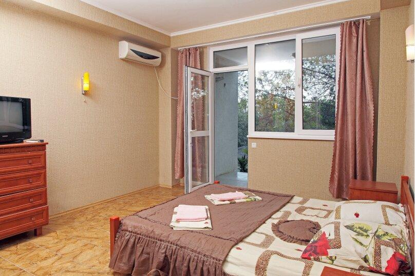 Двухместный номер эконом-класса с 1 кроватью, улица Ленина, 66, Алупка - Фотография 1