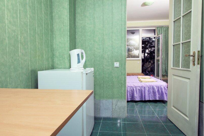 Двухместный номер эконом-класса с 1 кроватью, улица Ленина, 66, Алупка - Фотография 10