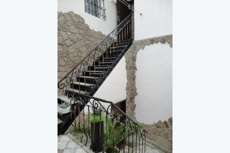 Дом на набережной, 100 кв.м. на 6 человек, 3 спальни, улица Карла Маркса, 4, Алушта - Фотография 32