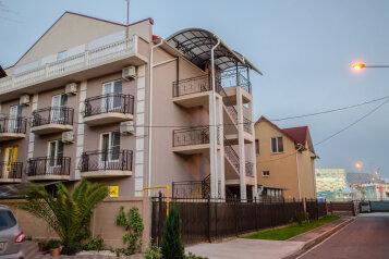 Гостевой дом, Камышовая улица на 18 номеров - Фотография 4