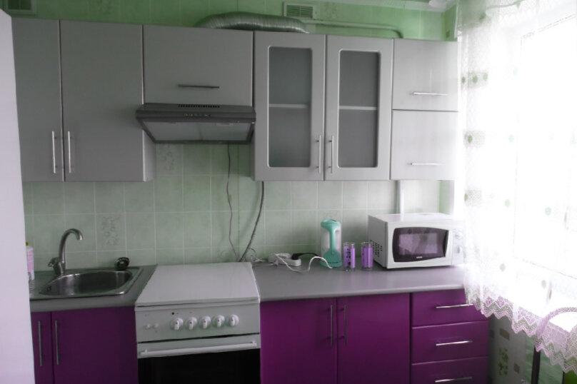 1-комн. квартира, 32 кв.м. на 3 человека, улица Космонавта А.Г. Николаева, 36, Чебоксары - Фотография 2