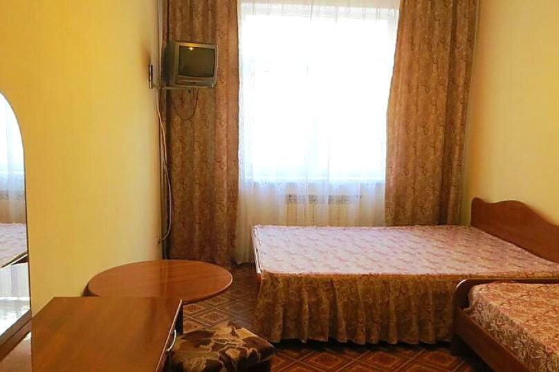 3х местный номер со всеми удобствами и балконом, Белорусская улица, 9Г, Адлер - Фотография 1