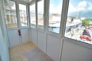2-комн. квартира, 75 кв.м. на 4 человека, улица Игнатенко, Ялта - Фотография 2