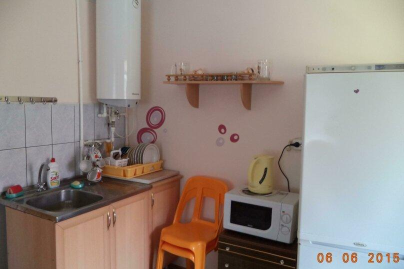"""Гостевой дом """"Веста"""", Азовская улица, 11 на 4 комнаты - Фотография 22"""