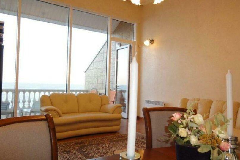 Двухэтажный пентхаус с двумя террасами, в 10 метрах от моря, улица Ленина, 35 на 2 номера - Фотография 3