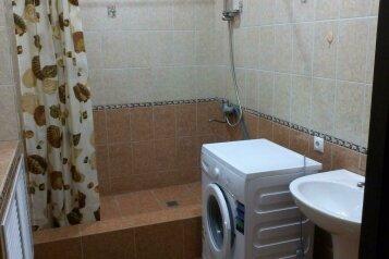 Сдам дом, 120 кв.м. на 6 человек, 1 спальня, Ростовская улица, 310, Ейск - Фотография 1
