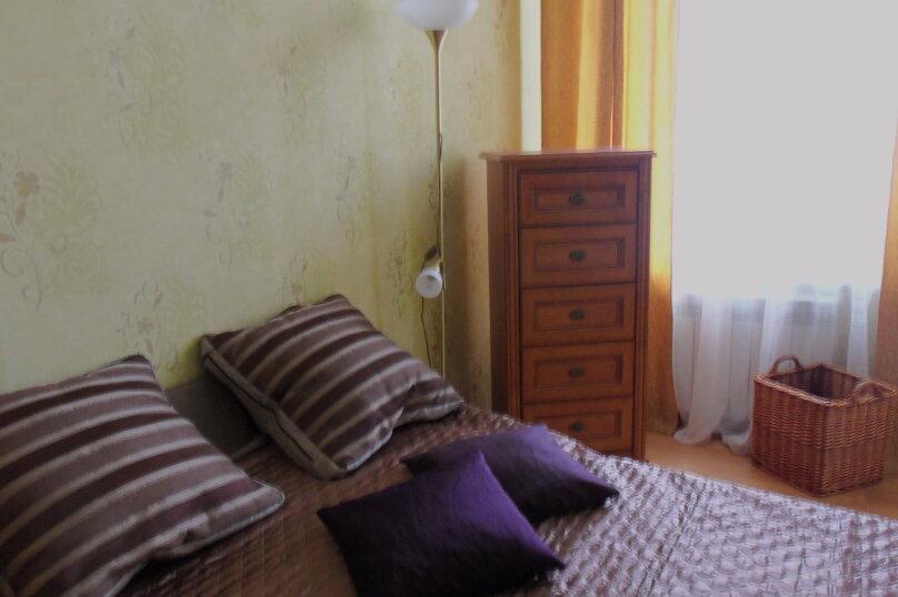3-комн. квартира на 4 человека, улица Революции, 17, Евпатория - Фотография 2