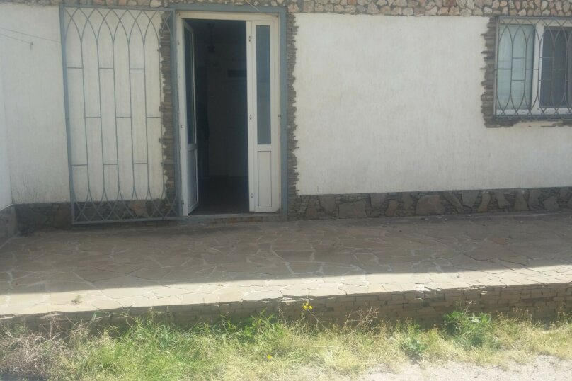 Дом, 65 кв.м. на 6 человек, 2 спальни, поселок Мирный, ул. Морская, 34, Евпатория - Фотография 5