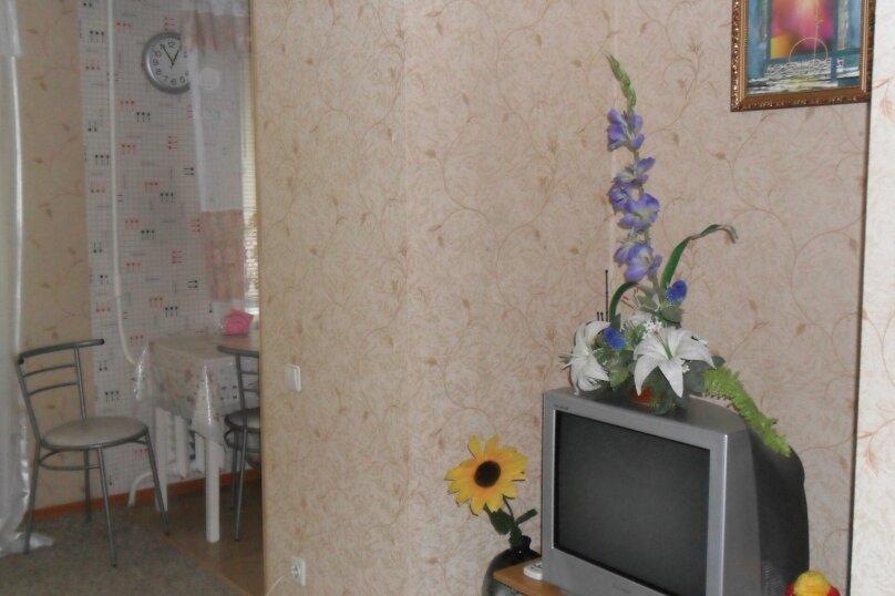 2-комн. квартира, 65 кв.м. на 4 человека, Академическая улица, 12, Волгоград - Фотография 4