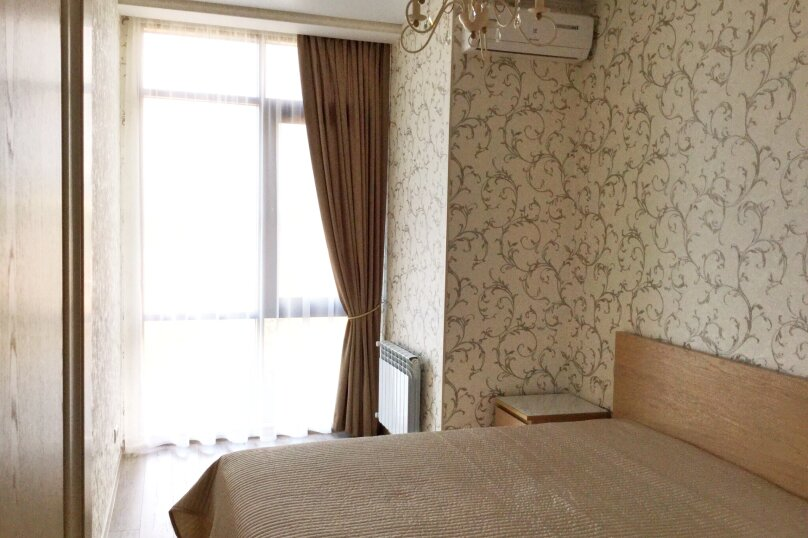 2-комн. квартира, 55 кв.м. на 4 человека, улица Луначарского, 116, Геленджик - Фотография 1