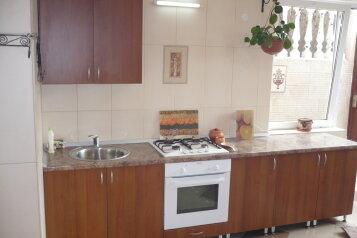 Семейный гостевой дом , улица Ильича, 4 на 10 номеров - Фотография 4