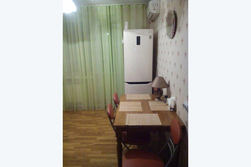 2-комн. квартира, 64 кв.м. на 6 человек, улица Коммунаров, 26, Ейск - Фотография 6