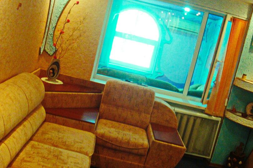 Дом под ключ в самом центре на 5 человек, 2 спальни, Советская, 18, Феодосия - Фотография 2