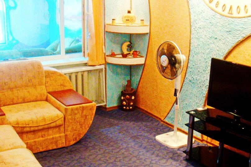 Дом под ключ в самом центре на 5 человек, 2 спальни, Советская, 18, Феодосия - Фотография 3