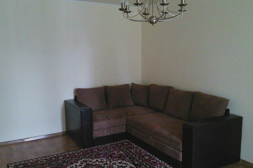 3-комн. квартира, 75 кв.м. на 6 человек, улица Чкалова, 115, Феодосия - Фотография 1