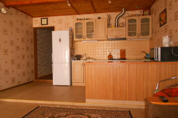 Дом, 150 кв.м. на 6 человек, 3 спальни, улица Истрашкина , 7а, Судак - Фотография 1