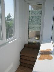 3-комн. квартира, 75 кв.м. на 6 человек, улица Чкалова, Феодосия - Фотография 2