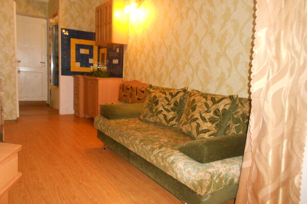2-комн. квартира, 24 кв.м. на 3 человека, улица Истрашкина, 9, Судак - Фотография 1