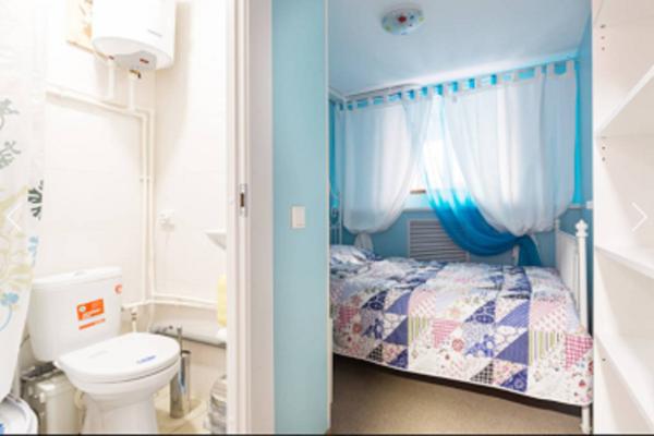 Мини отель ( двух-трехместные номера с собственным душем и туалетом ) , улица Марата, 74 на 8 номеров - Фотография 1