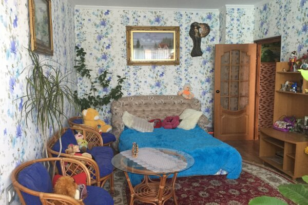 2-комн. квартира, 65 кв.м. на 6 человек, улица Димитрова, 1В, Черноморское - Фотография 1