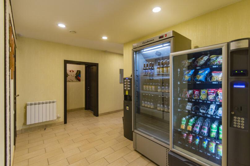 Коттедж, 320 кв.м. на 15 человек, 6 спален, Эскадронная улица, 110, Екатеринбург - Фотография 8