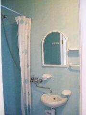 Два гостевых домика с кухней, туалетом и душем в каждом номере, в Алупке, шоссе Свободы, 8 б на 2 номера - Фотография 4