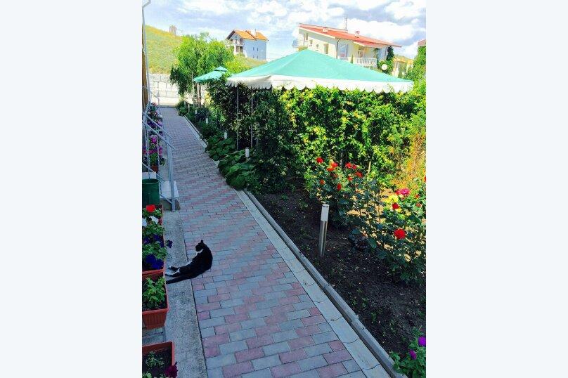 """Гостевой дом """"Канны"""", улица Шершнёва, 22В на 8 комнат - Фотография 2"""